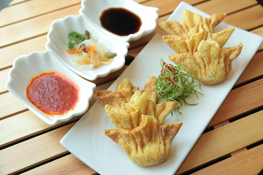 Ravioli chinois frit aux crevettes